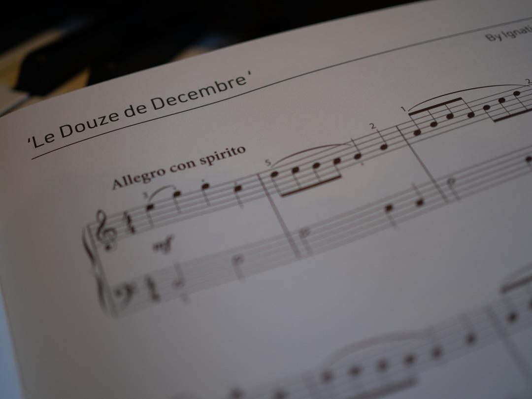 Le Douze de December by Sancho