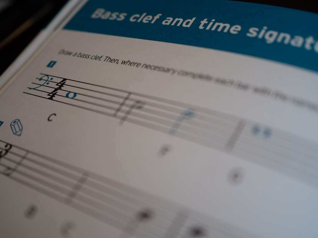 Introducing Music Theory - Bass clef and time signatures