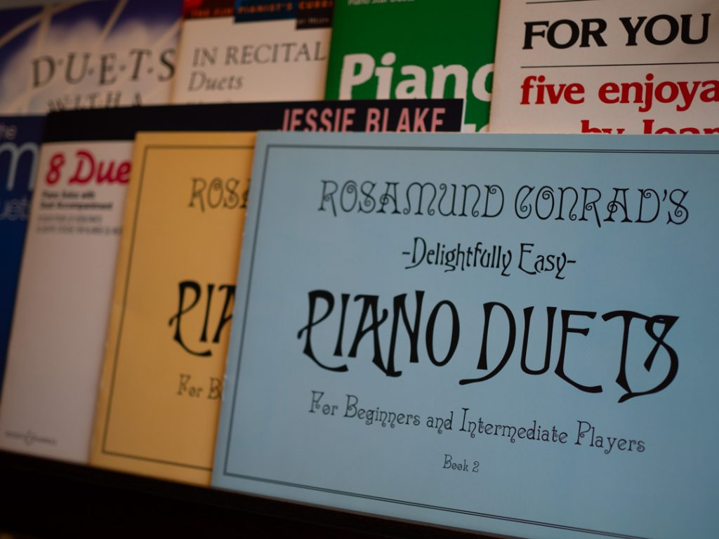 Read more about the article My Top 10 Piano Duet Books for Beginners