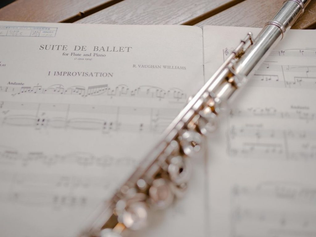 Read more about the article The Benefits of Attending a Music Workshop